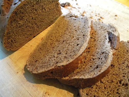 Pumpernickel Bread 025
